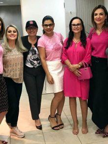 Dra. Daniela Lessa participa de Encontro Rosa Choque